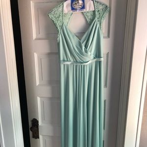 David's Bridal Size 4 Mint Green Bridesmaid Dress